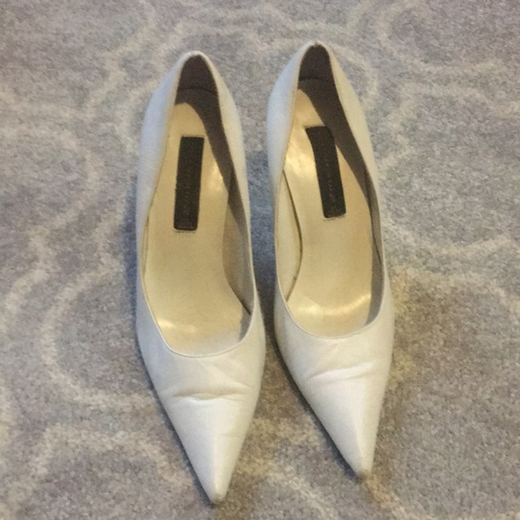 0aa758233bb White Steven by Steve Madden leather pumps. M 5bc262e9aaa5b8f519d19d30